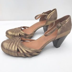 FRYE Lisa  Mary Jane woven heel shoes 10 m gold